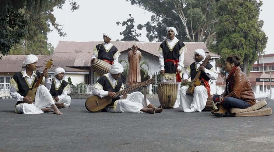 beautiful instrumental of Sare Jahan Se Achcha Hindustan Hamara